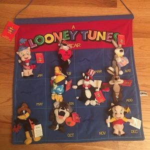 Looney tunes calendar with characters